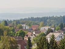 Schweizer ländliche Landschaften nahe Zürich Neiderrohrdorf-Stadt switzerland stockfotografie