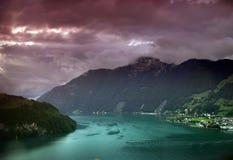Schweizer See lizenzfreie stockbilder