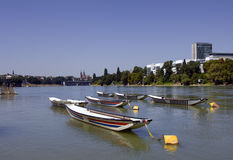 Schweizer Stadt Basel am Sommer Stockfotos