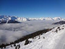 Schweizer Tal-Wolken Stockfotografie