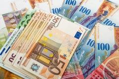 Schweizer- und EU-Banknoten Lizenzfreie Stockfotos