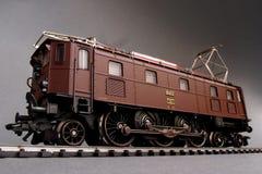 Schweizisk elektrisk lokomotiv Fotografering för Bildbyråer