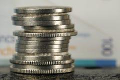 Schweizisk valuta som mynt och sedlar arkivbilder