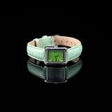 Schweiziska klockor på svart bakgrund Produktfotografi Royaltyfria Bilder