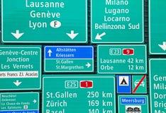 schweiziska vägmärken Arkivbilder