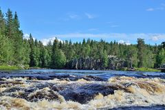 Schwelle Padun auf Fluss Chirko-Kem Karelien, Russland Stockfoto