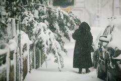Schwere Schneefälle über Bukarest, Rumänien Stockbilder