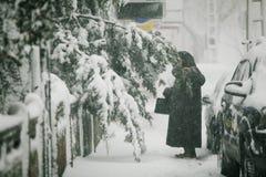 Schwere Schneefälle über Bukarest, Rumänien Stockfotos