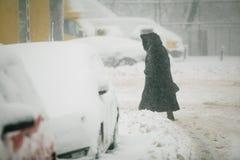 Schwere Schneefälle über Bukarest, Rumänien Stockfoto