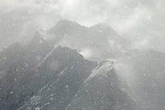 Schwere Schneefälle in den Alpen Stockbilder