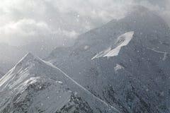 Schwere Schneefälle in den Alpen Stockbild