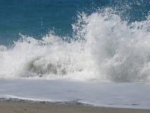 Schwere Wellenabbrüche Stockfoto