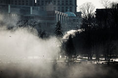 Schwerer Spray bei Niagara Falls lizenzfreies stockfoto