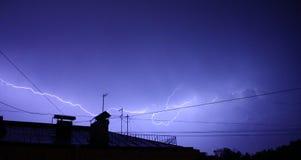 Schweres Gewitter in St Petersburg lizenzfreies stockfoto