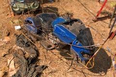 Schweres schädigendes Spielzeugauto der Achterbahn Lizenzfreie Stockfotos