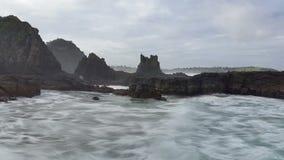 Schwermütiger Wellen-Ozean-träumerischer Meerblick stock video footage
