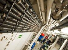 Schwermaschinen-Raum - Rohre, Ventile, Maschinen Lizenzfreies Stockbild