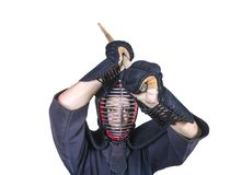Schwertfechter in angreifende Position und Schutzausrüstung ` bogu ` Lizenzfreie Stockfotografie
