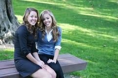 Schwestern Stockbild