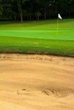 Schwieriger Schuss des Golfplatzes Stockfotos