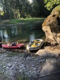 Schwimmen des Flusses Stockfotos