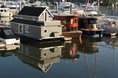 Schwimmen Sie Häuser, Kohle-Hafen, Vancouver stockfotos