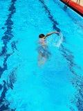 Schwimmenjunge Stockbilder