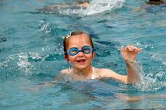 Schwimmenmädchen Lizenzfreies Stockfoto