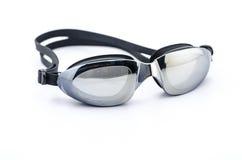 Schwimmenschutzbrillen auf Weiß Stockbild