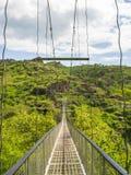 Schwingbrücke Khndzoresk und altes Höhlen-Dorf, Armenien 13 stockbild