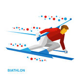 Sci andante del giocatore di biathlon velocemente con un fucile Immagine Stock
