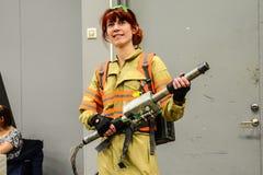 Sci fi konwencja w Gothenburg ludziach z śmiesznymi pistoletami zdjęcia royalty free