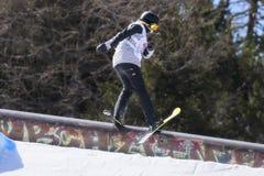 Sci FIS Junior World Chanpionship, atleta di stile libero nello slopestyle Immagini Stock