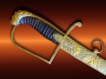 Sciabola degli oggetti d'antiquariato Rassegna di ceremonial della sciabola dell'ufficiale L'estremità di Th fotografia stock libera da diritti