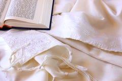 Scialle di preghiera - Tallit, simbolo religioso ebreo Immagini Stock