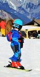 Sciando nelle alpi svizzere Fotografie Stock Libere da Diritti