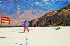 Sciando nelle alpi svizzere, avventura Fotografie Stock Libere da Diritti