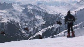 Sciando in Saalbach-hinterglemm Austria video d archivio