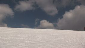 Sciando a Saalbach-hinterglemm Austria video d archivio