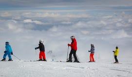 Sciando sopra le nubi fotografia stock libera da diritti