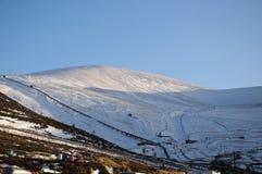Sciando sulla montagna di Cairngorm in Scozia Fotografia Stock