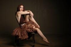 Sciarpa da portare della bella donna Fotografia Stock Libera da Diritti