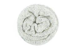 Sciarpa di lana isolata su fondo bianco Immagine Stock