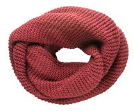 Sciarpa isolata su priorità bassa bianca Vista superiore della sciarpa Fotografia Stock