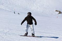 Sciatore alla stazione sciistica Innsbruck - Austria delle montagne Immagine Stock