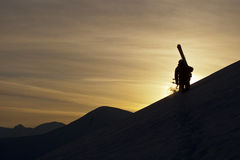 Sciatore e tramonto Fotografia Stock Libera da Diritti