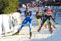 Sciatore Strandvall nella corsa di Milano nella città Immagini Stock