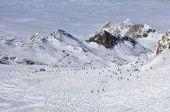 Sciatori nella stazione sciistica di Kitzsteinhorn, alpi austriache Immagini Stock