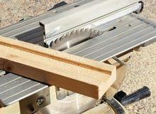 Scie portative de disque, machines-outils de travail du bois Photos libres de droits