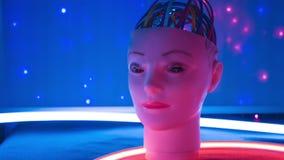 Sciencerobothuvud, framtid för lära för maskin av cybernetic teknologi för ai arkivfilmer